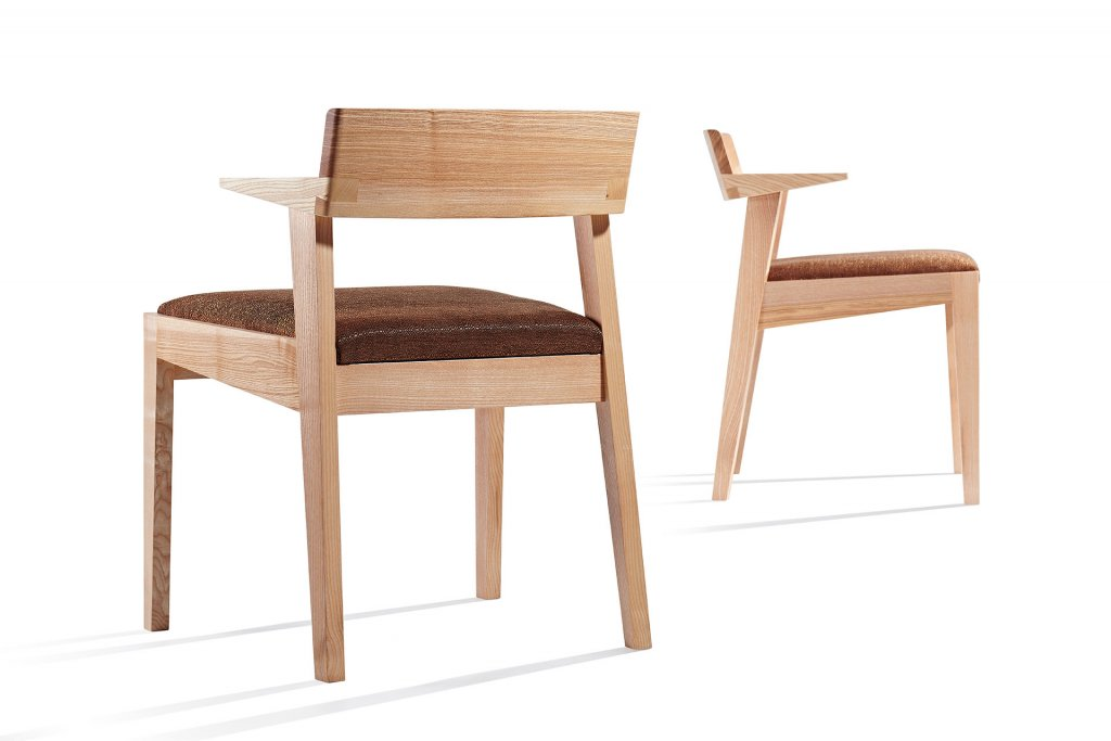 Iceni chair by Simon Thomas Pirie